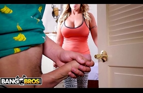 BANGBROS - Juan El Caballo Loco Gets Tempted Overwrought His MILF Stepmom, Eva Notty