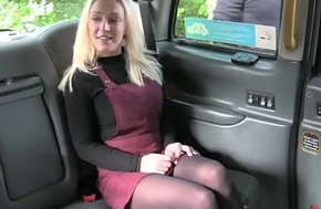 Blonde tourist respecting pantyhose pounded
