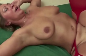 Step-Son Putrescent and Seduce Mom to Fuck in the Morning